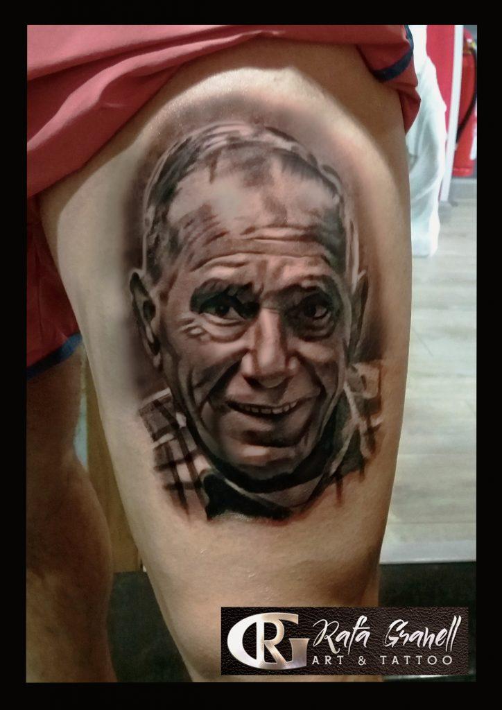 retratos#retrato#familiares#tattoo#tattoos#tatuajes#realistas#tatuaje#realista#realismo#blanco#negro#pierna#rafa#granell#rgtattoo#tatuador#valenciano#tatuadores#valencianos#mejores#españoles#español#