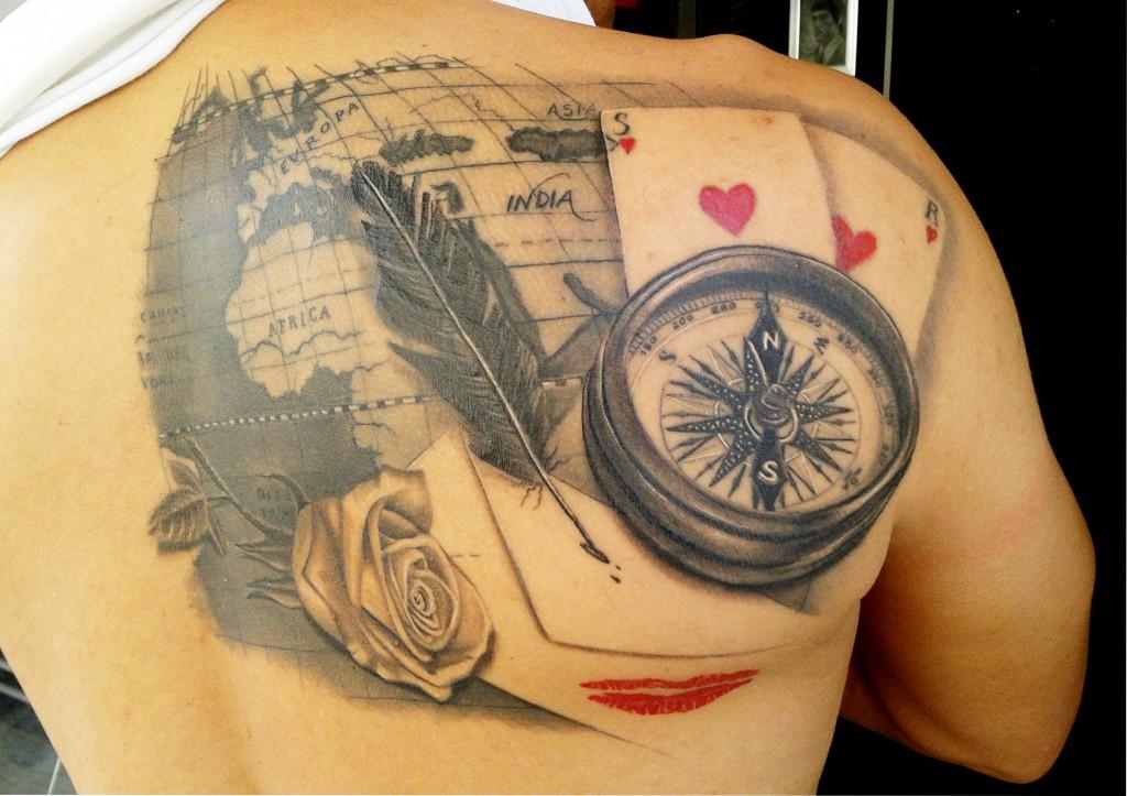 mapa#realismo#brujula tattoo#rgtattoo#tatuador valenciano#cartas#rosa#black and grey tattoo#tatuajes valencia#