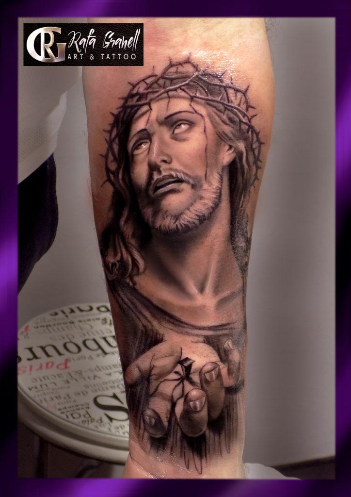 tatuajes#religiosos#jesuscristo#tattoos#tattoo#cristo#realistas#realismo#tatuaje#realista#valencia#tatuadores#valencianos#españoles#tatuador#valenciano#español#rgtattoostudio#rafagranell#blancoynegro#antebrazos#brazos#hombres#jesus